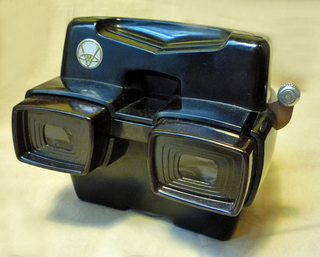 View Master Model D Lighted Focusing 3 D Reel Slide Viewer
